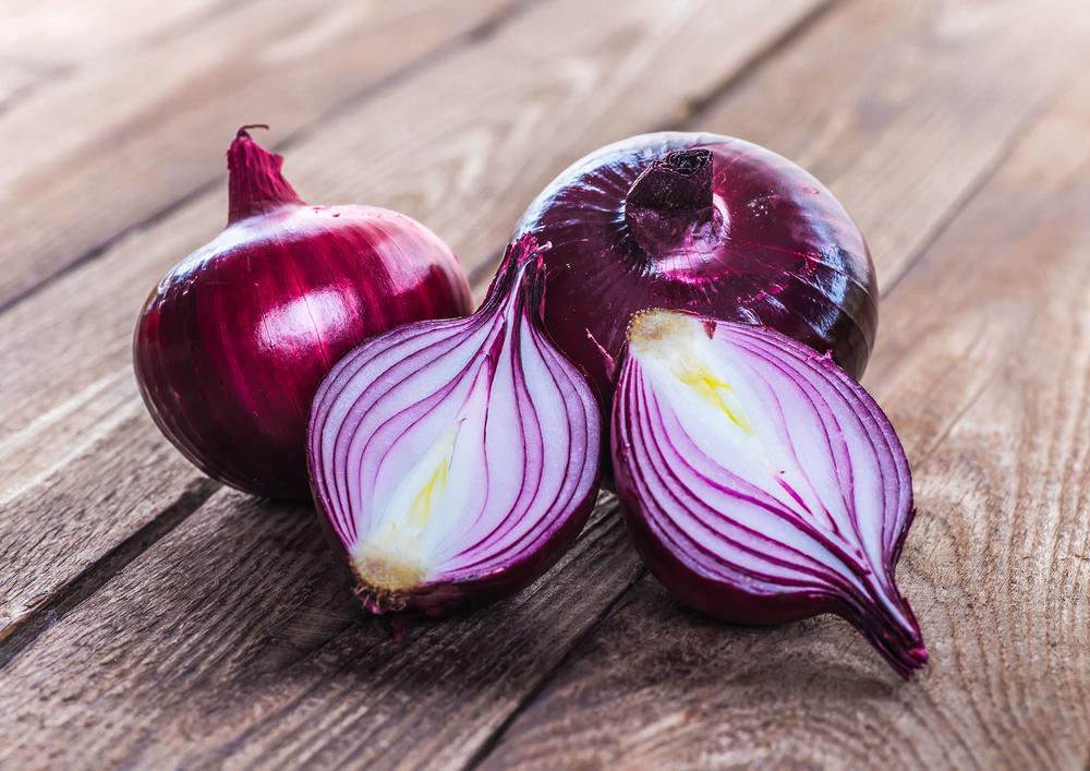 Alimenti con carboidrati: le cipolle