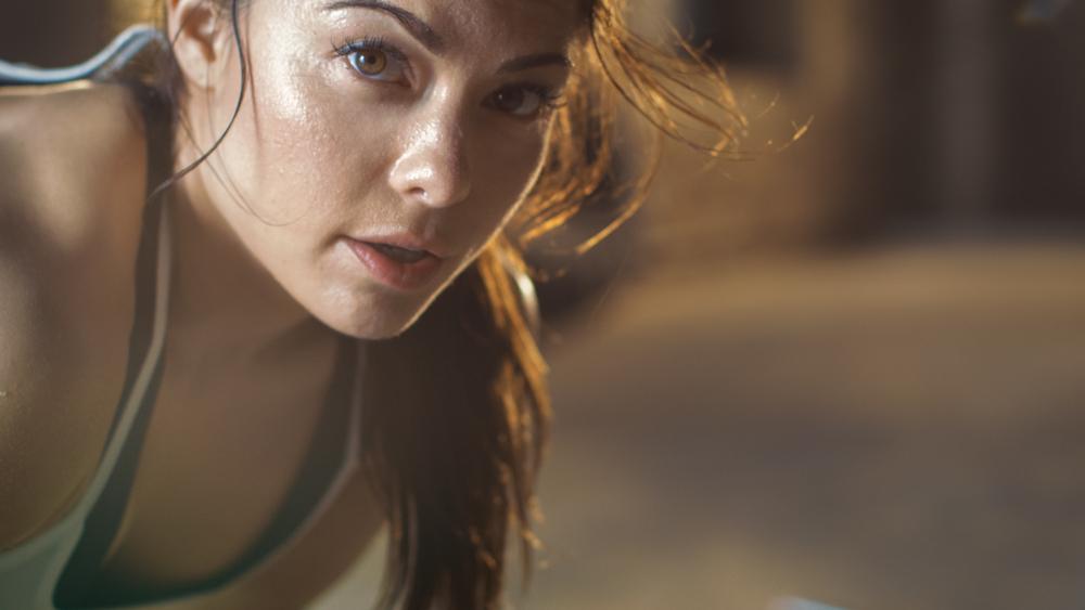 5 esercizi per bruciare 200 calorie in 3 minuti