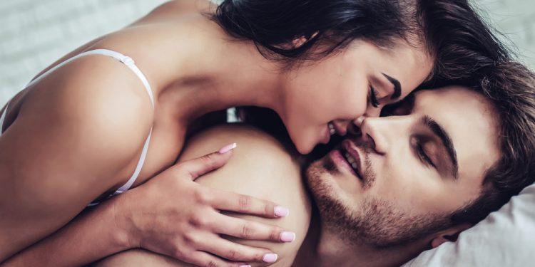 kamasutra: cos'è e posizioni da provare per San Valentino