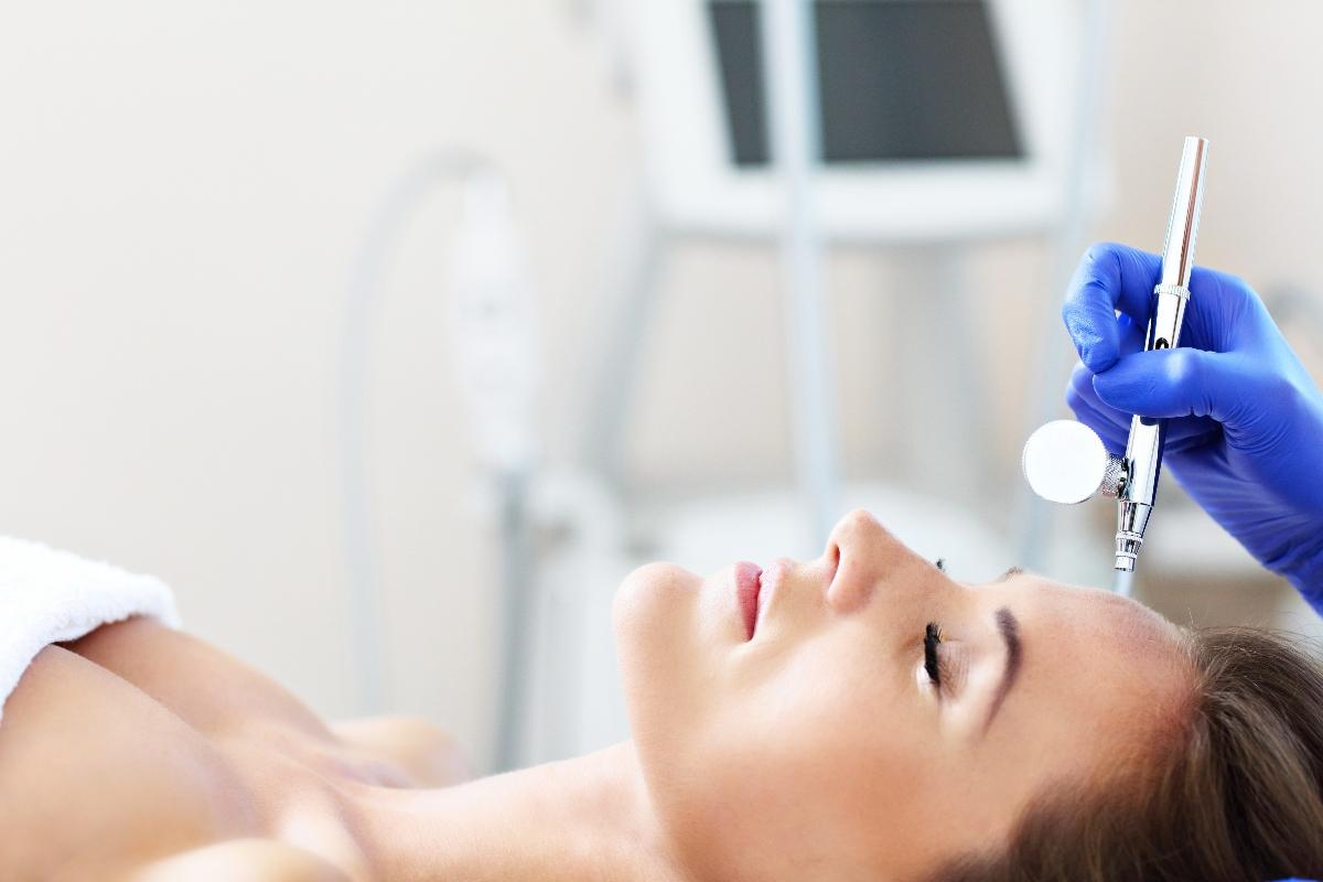 ossigenoterapia viso: cos'è, come funziona, costi e benefici