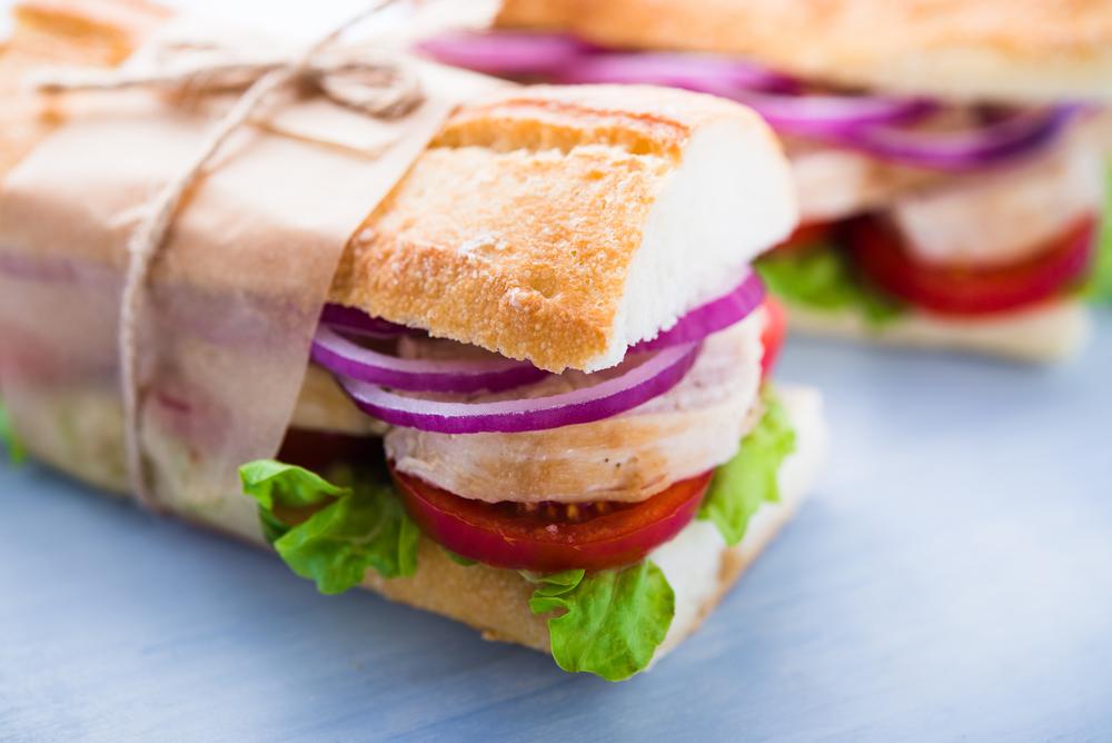 pausa pranzo a dieta: panino o insalata
