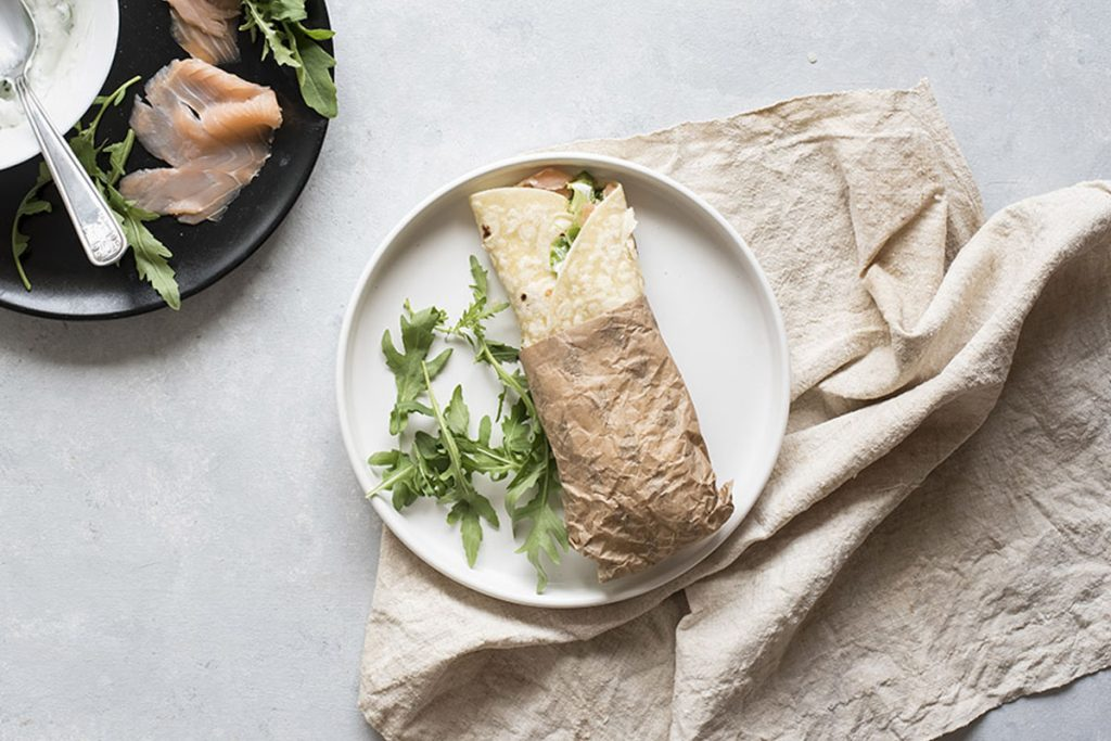 ricette con yogurt: piadina light con salmone