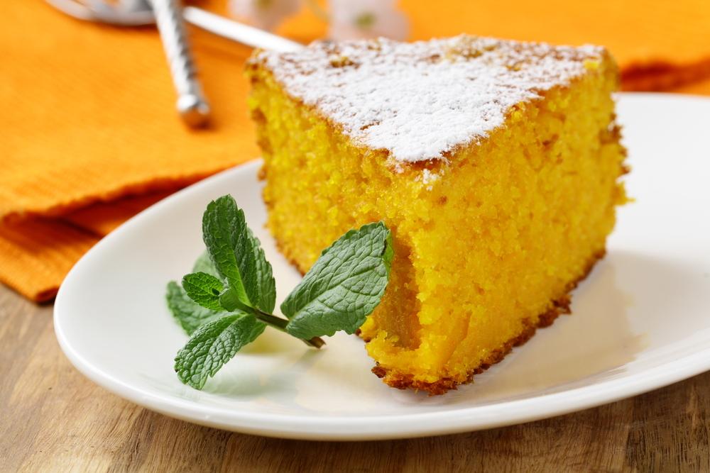 torta carote e mandorle, un dolce leggero e nutriente