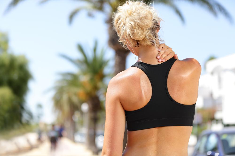 cervicale: cause, sintomi e esercizi da fare a casa