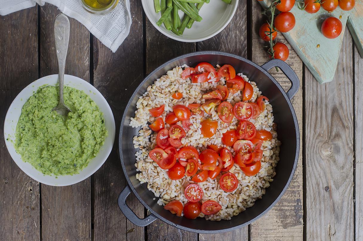 insalata-orzo-pesto-zucchine-tre