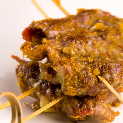 Gustosi involtini di carne ripieni adatti ai celiaci.