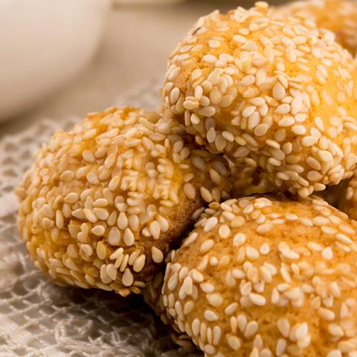 Ricetta dei biscotti al sesamo senza glutine e senza lattosio