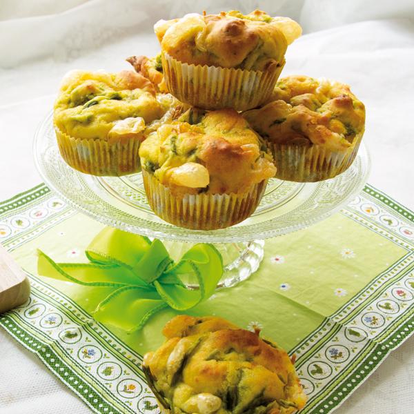 La ricetta senza glutine dei muffin salati con asparagi e scamorza