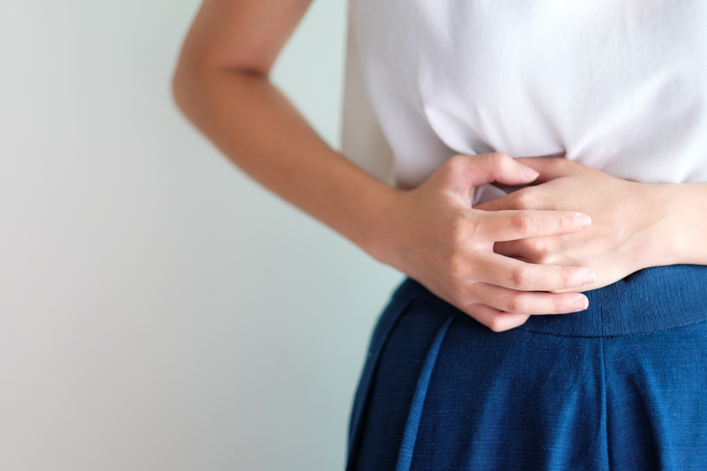 bruciore di stomaco: cause, sintomi e come prevenire con alimentazione