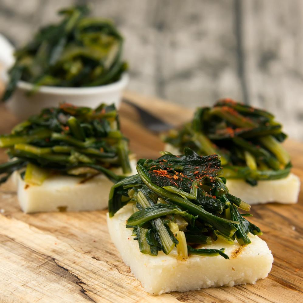 La ricetta delle tartine di polenta senza glutine, veloce e light