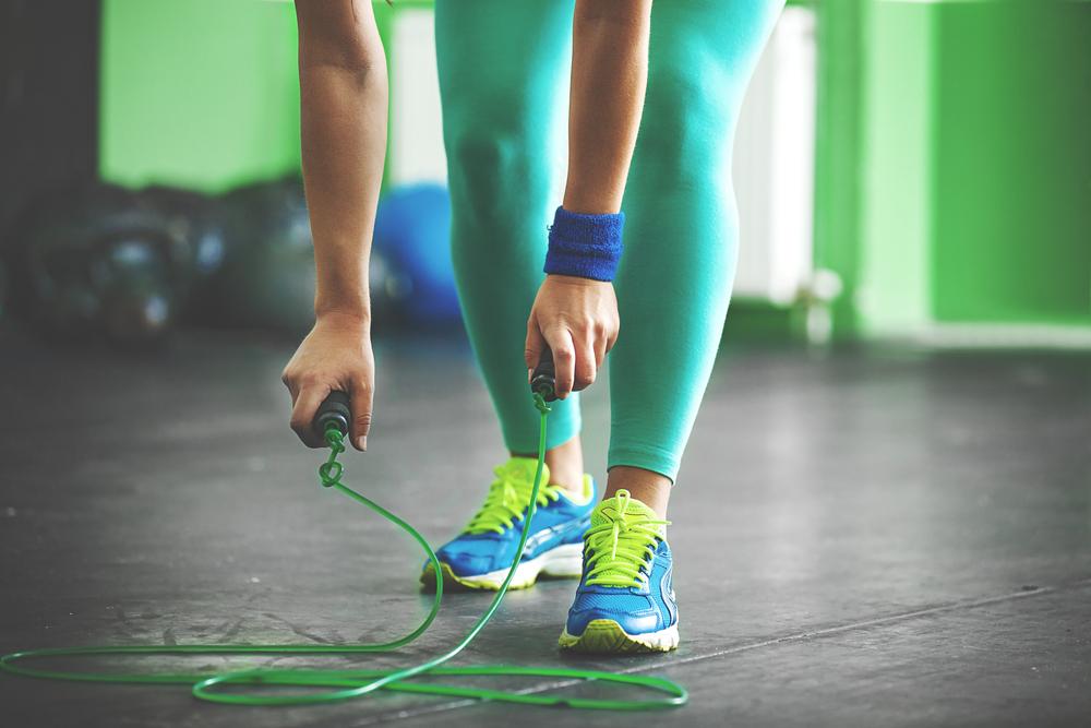 attrezzi fitness per casa: corda per saltare