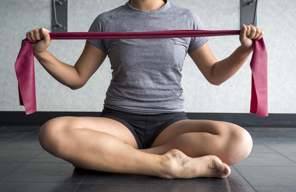 attrezzi fitness: thera band per tonificarti e allungarti