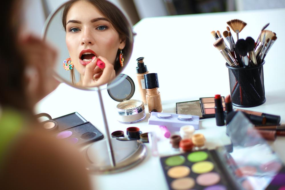 germi negli strumenti per il make up