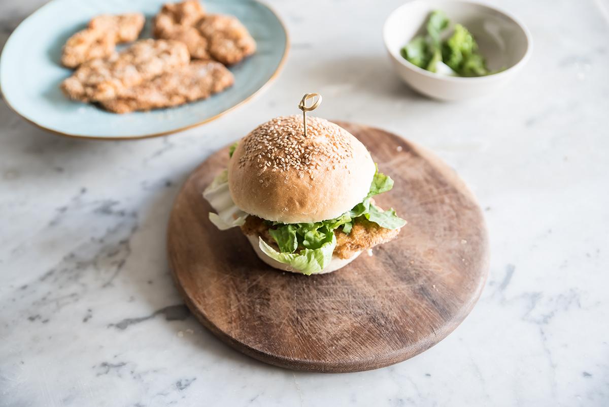 hamburger con cotoletta di pollo: la ricetta light