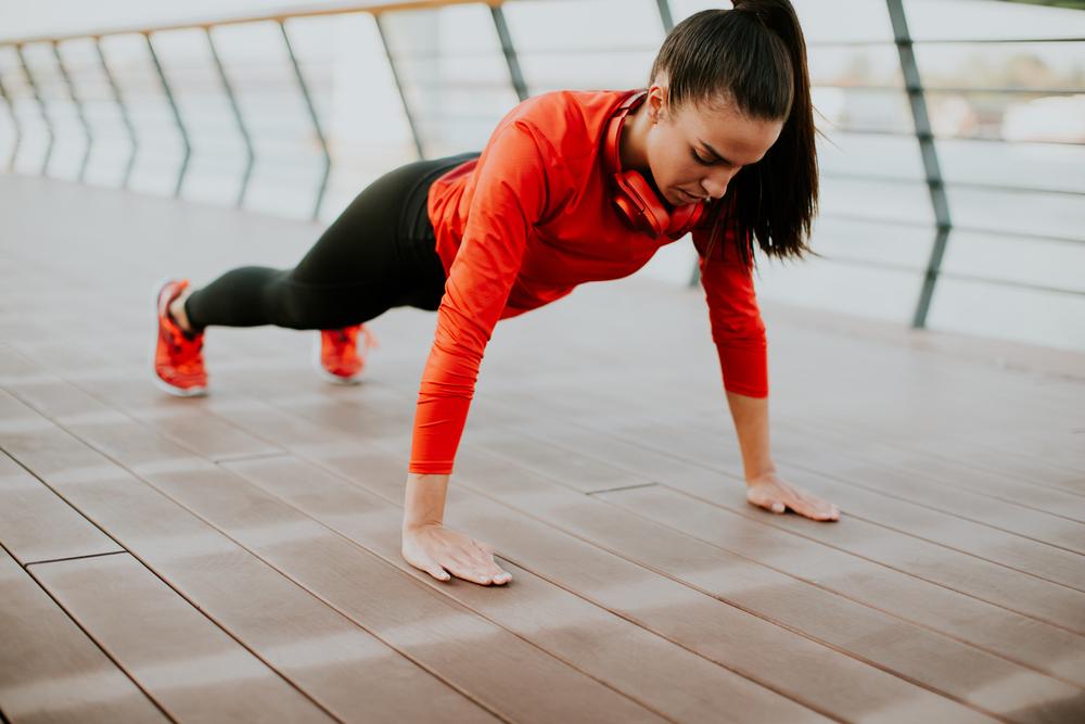 plank con braccia tese: challenge plank