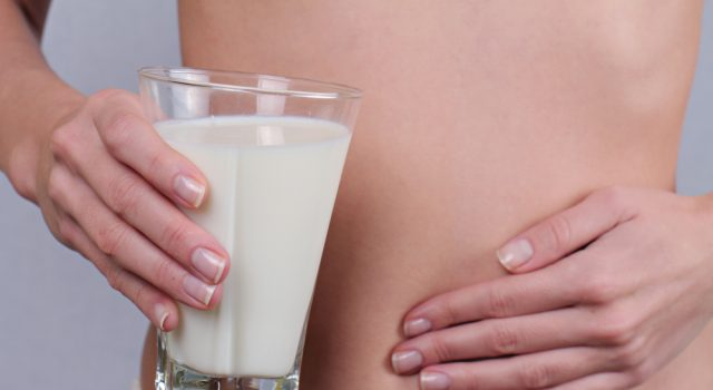 Sintomi intolleranza al lattosio: scopri i campanelli d'allarme