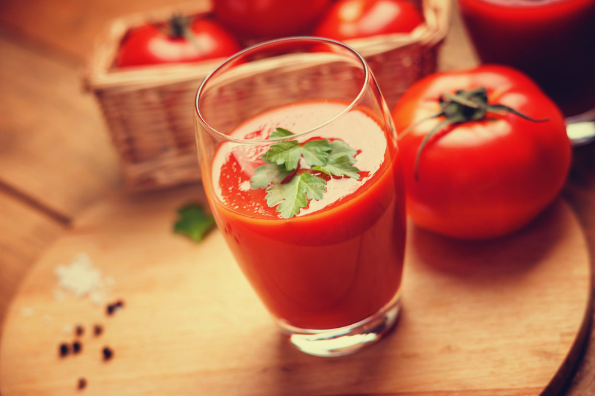 cocktail con succo di pomodoro, una bevanda per il tuo happy hour