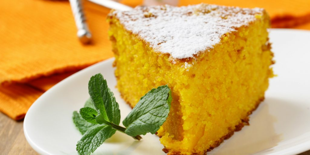 torta carote e mandorle, un dolce light facile da realizzare