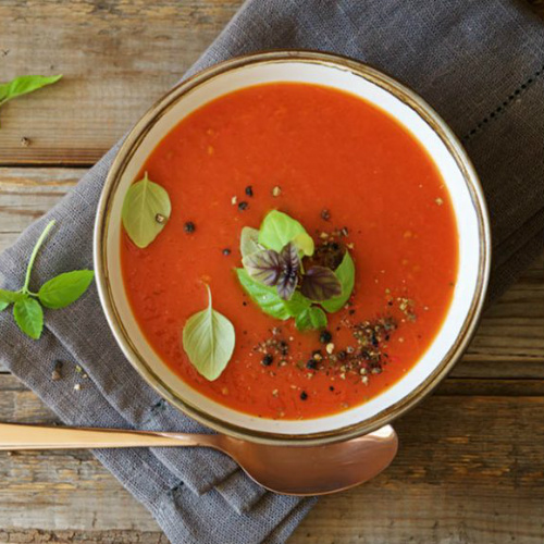 gazpacho con spiedini di melanzane, una ricetta golosa
