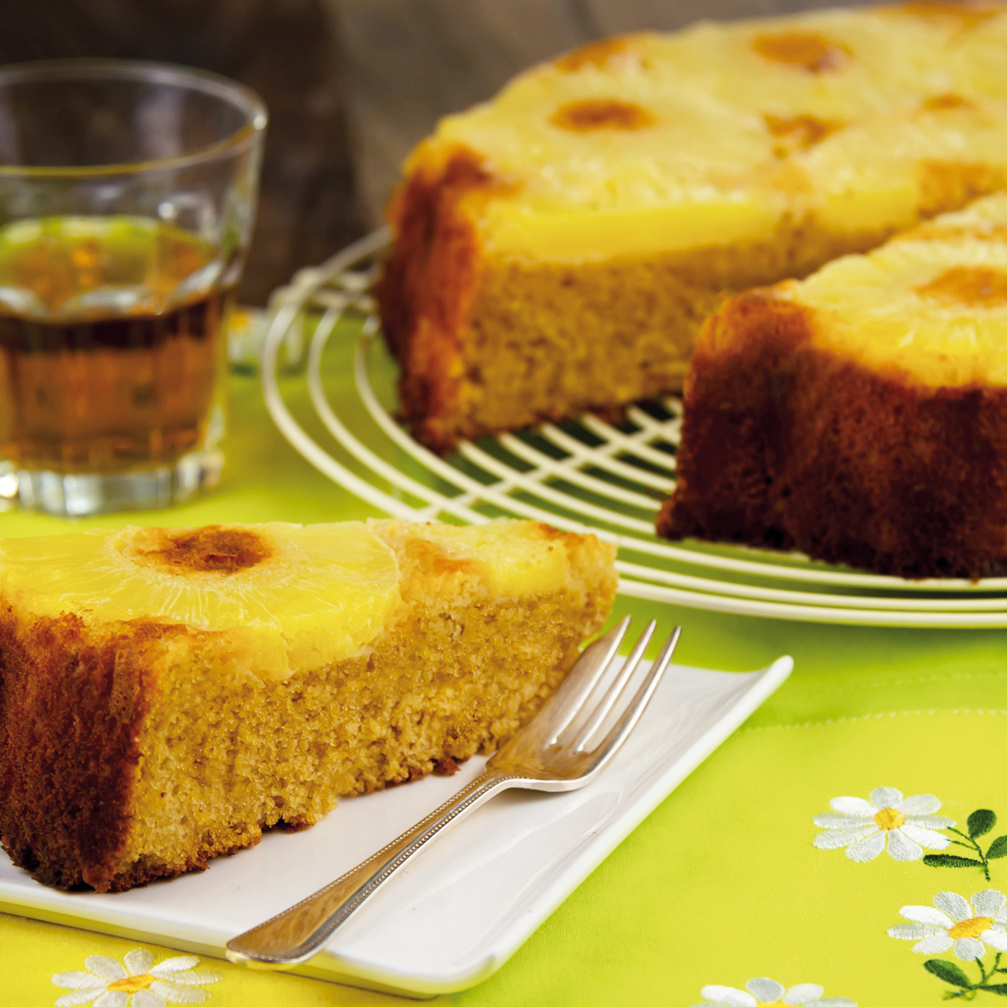 La ricetta della torta all'ananas e vaniglia light e gluten free.