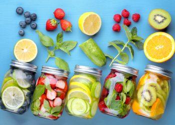 acqua aromatizzata: benefici e ricette