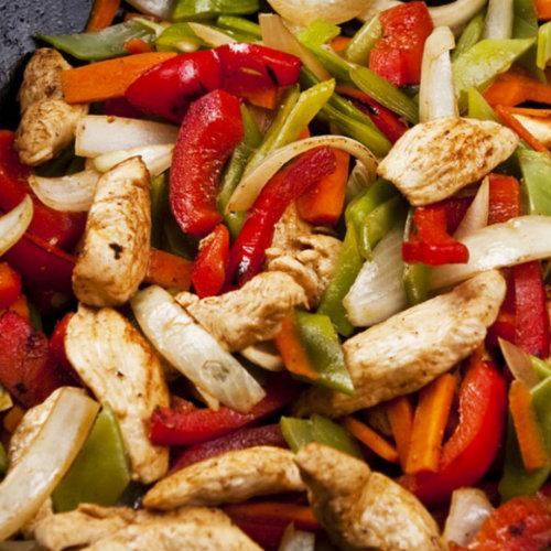 bocconcini di tacchino con verdure, un secondo sfizioso e leggero