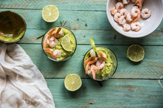 gamberetti salsa avocado preparazione 5