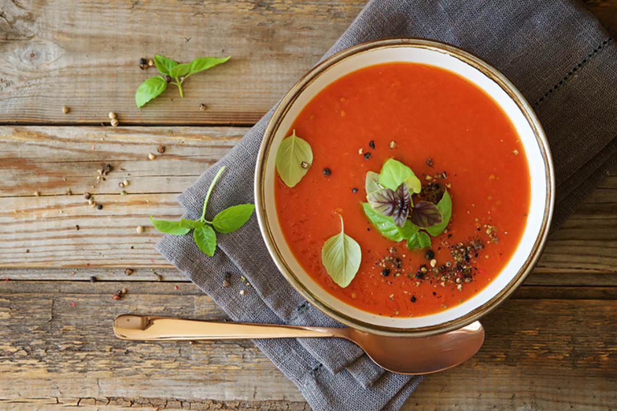 ricette con melanzane gazpacho con spiedini di melanzane