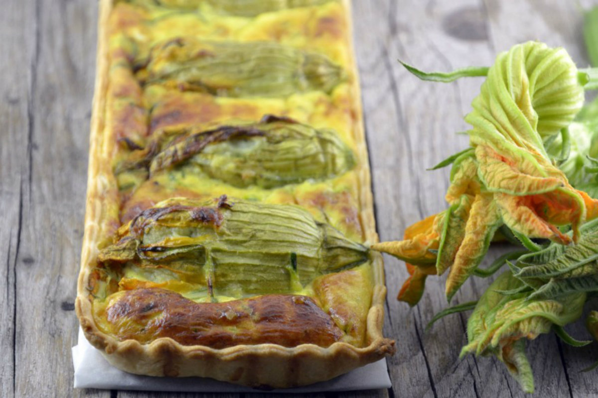 ricette con zucchine, quiche di zucchine e fiori di zucca