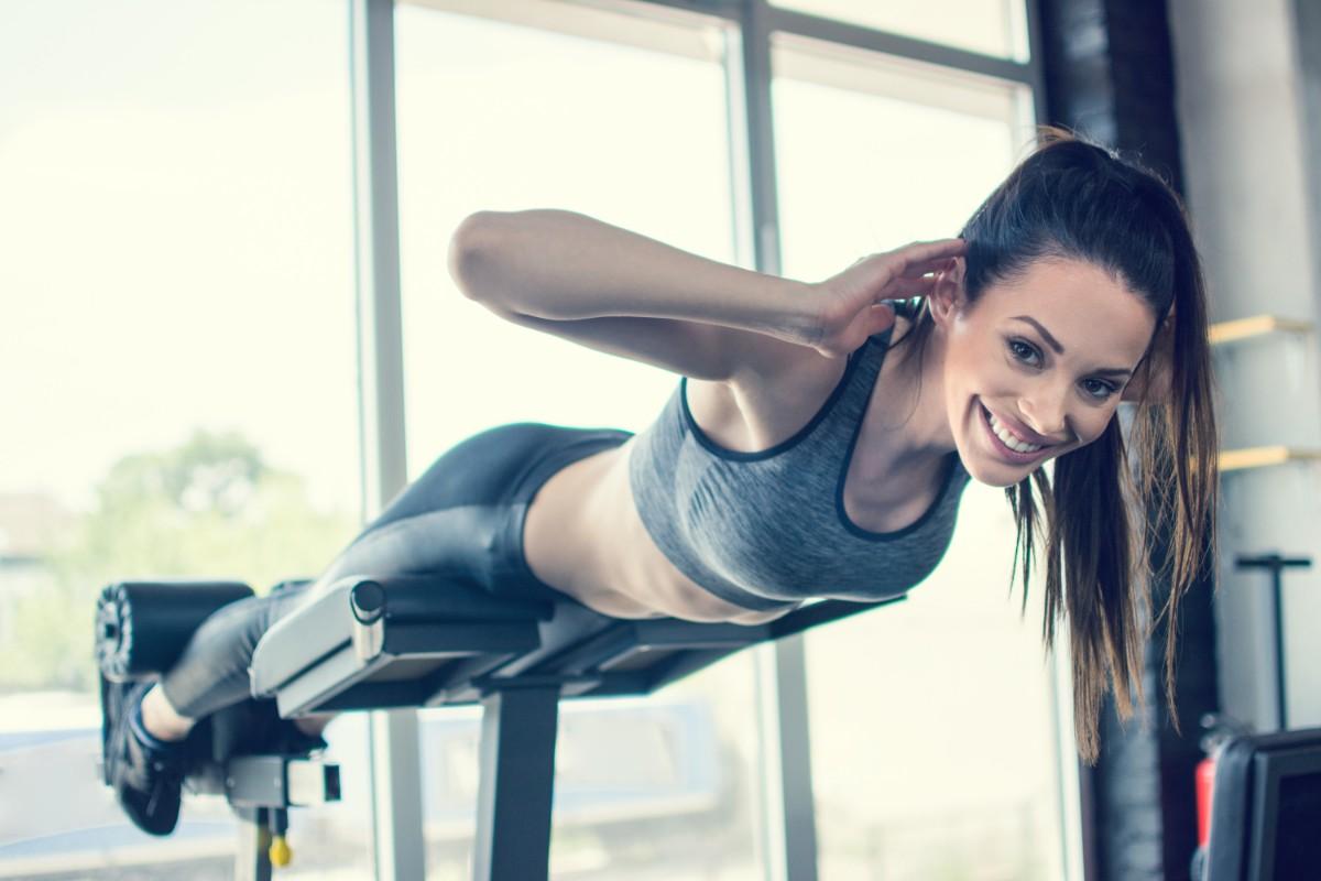 i migliori esercizi in palestra per perdere il grasso della pancia