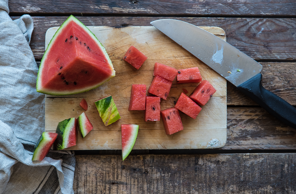 spiedini di anguria e feta, un antipasto di frutta sfizioso