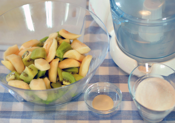 preparazione kiwi e pere