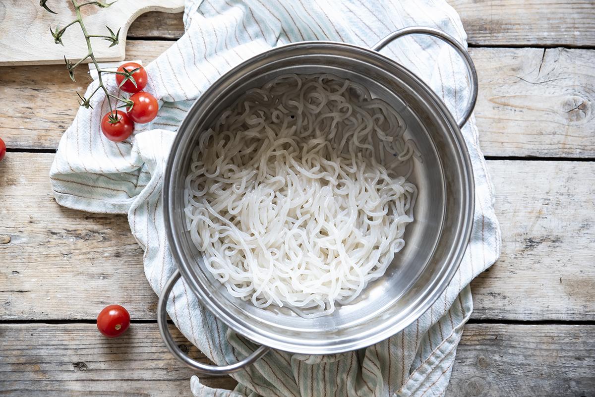 Noodles di konjac, lava i noodles