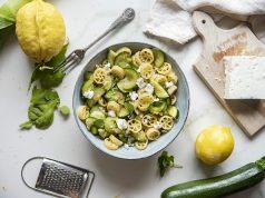 pasta con zucchine, limone e feta