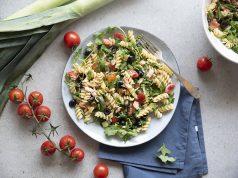 Pasta con salmone olive e pomodorini