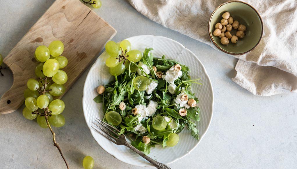 uva fresche: ricetta con insalata