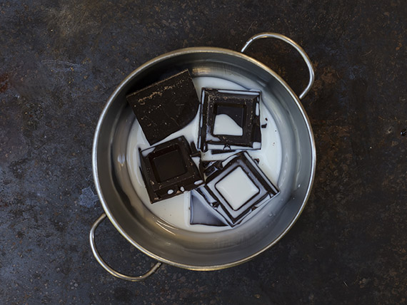sciogli cioccolato nel latte