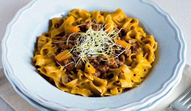 Tagliolini-castagne-crema-zucca-germogli-porro-