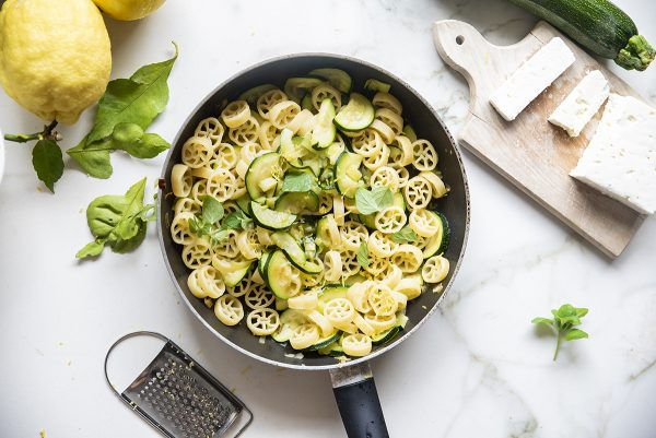 pasta fredda zucchine sei
