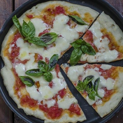 pizza-margherita-immagine-evidenza