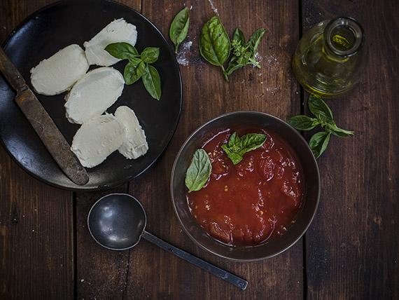 pizza margherita pomodoro mozzarella