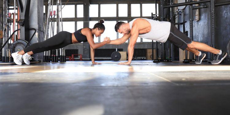 plank challenge 30 giorni per una pancia piatta
