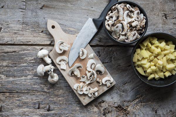 ricetta vellutata di funghi taglia funghi