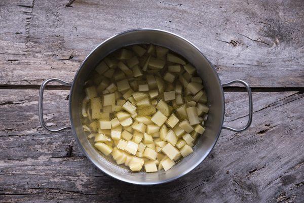 ricetta vellutata funghi patate brodo