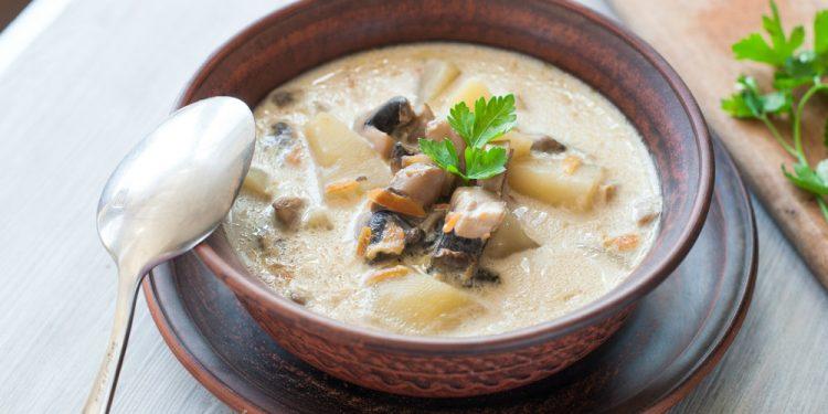 zuppa di patate e funghi