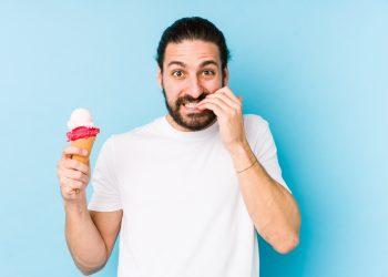 mangiarsi le unghie: rimedi per smettere