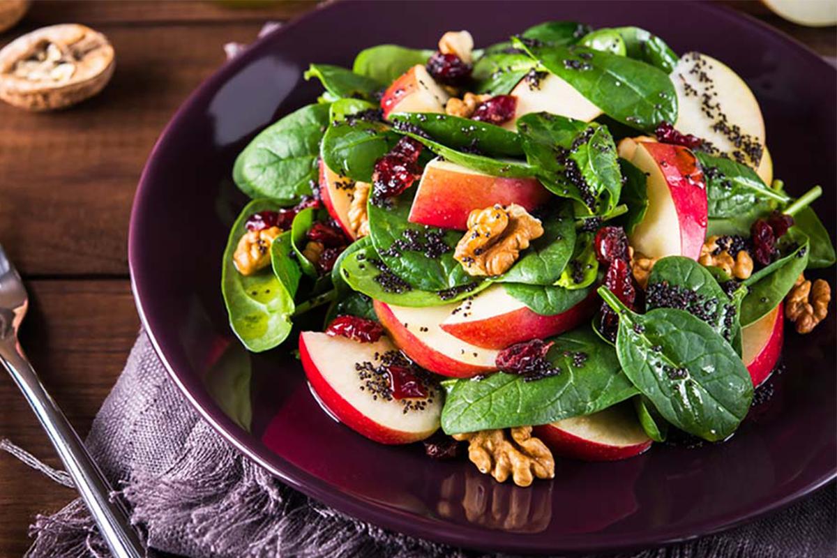Ricette con le mele: insalata con speck e mela