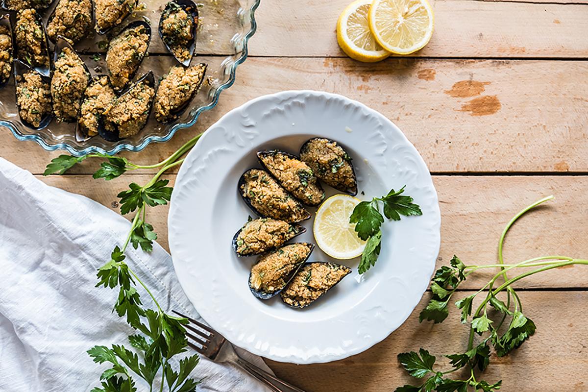 come pulire le cozze: ricette di pesce cozze gratinate