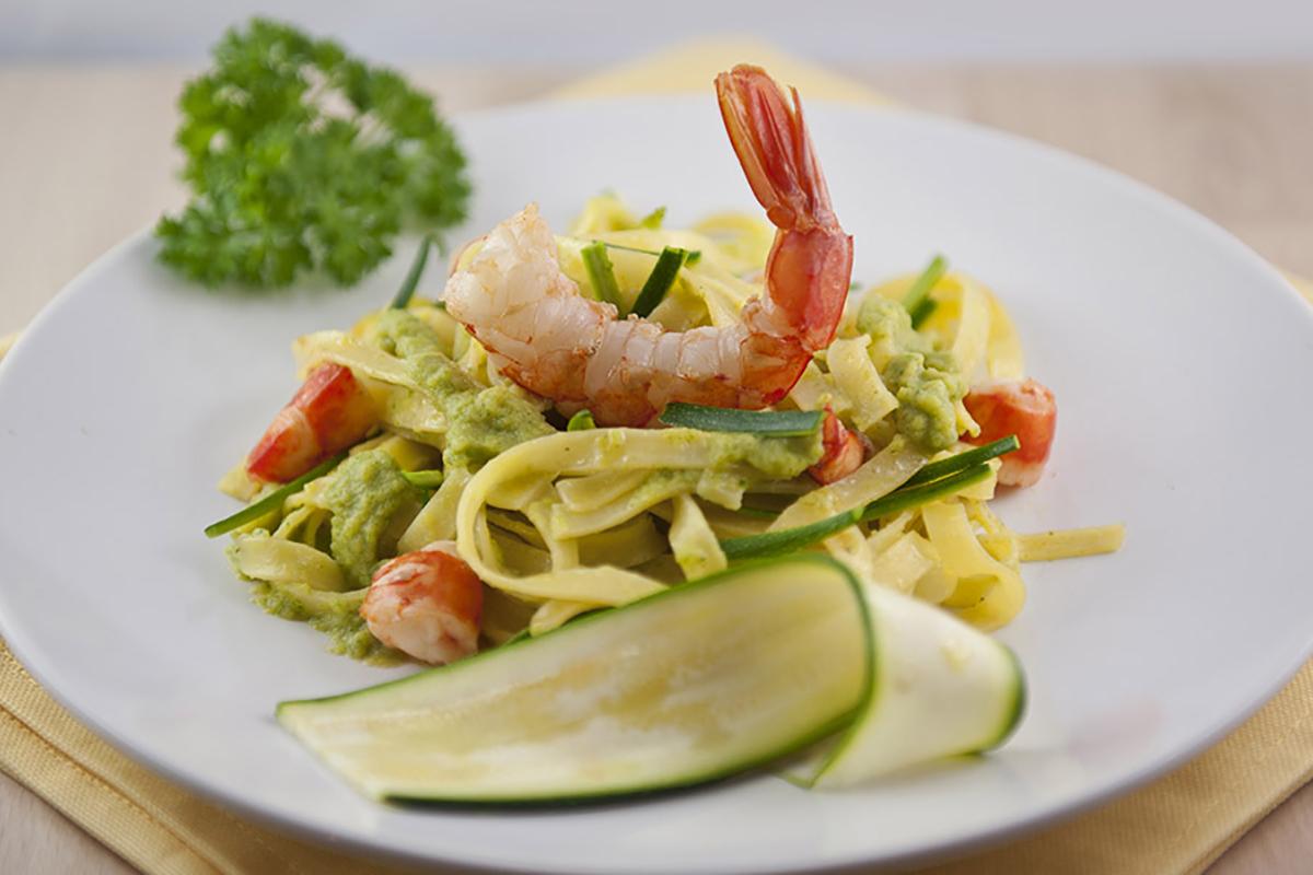 ricette di pesce tagliatella zucchine gamberoni