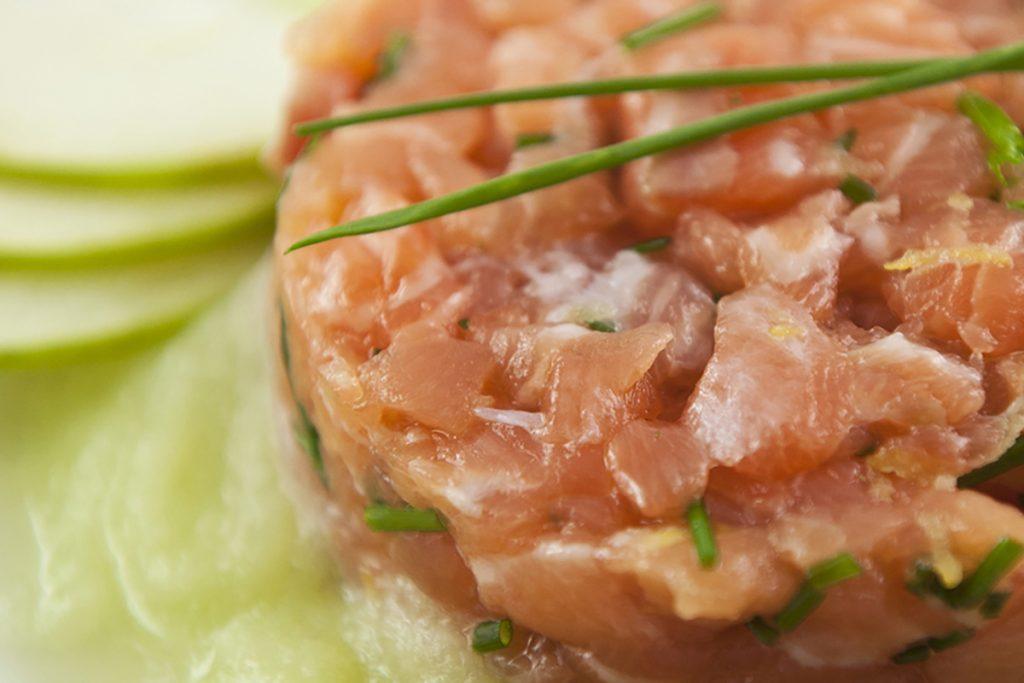 ricette di pesce tartare salmone mela sedano